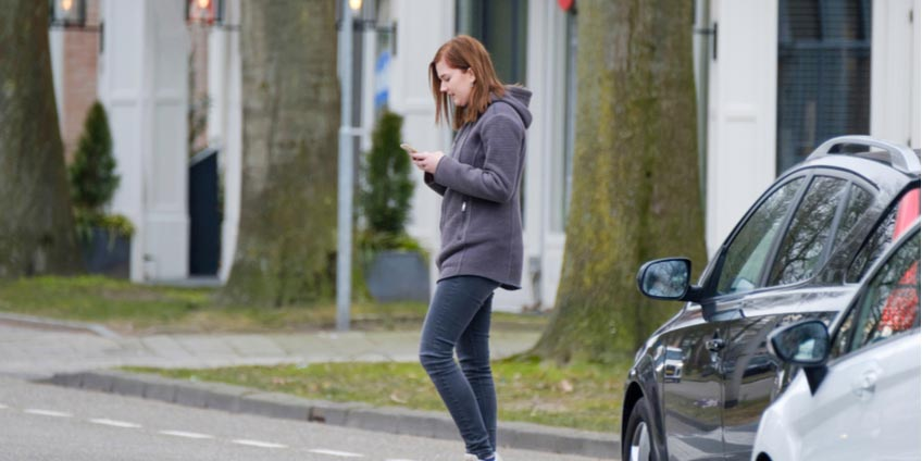 Distracted walking linked to deadly accidents